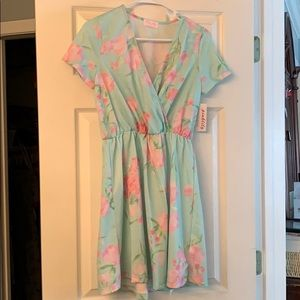 Dresses & Skirts - Floral print dress NWT